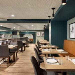 Alpine_Social_Dining_Area_939319_high